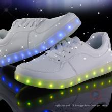 Sapatos de LED loucos Sapatos de senhora LED por atacado