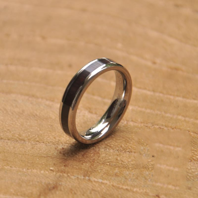 Titanium Ring 01 Jpg