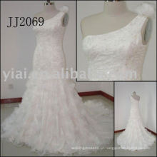 2011 Latest Most Stunning new real arrival Um hombro feito à mão de flores organza frisado branco vestido de noiva senhora JJ2069