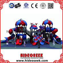Kinderkommerzieller Spielplatz im Freien mit Rutsche