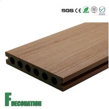Plancher extérieur composé en bois en plastique de WPC de prix bon marché imperméable