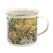 Tasse de café d'étain d'émail de carte du monde avec la conception d'OEM et la jante de ss pour le cadeau