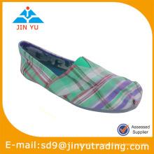 Zapato de dedo del pie cercano