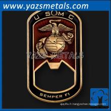 Fabricant en laiton métal militaire étiquette ouvre-bouteille personnalisée
