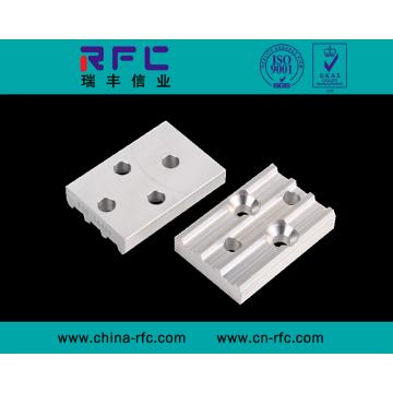 Mecanizado de piezas de hardware CNC