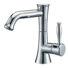 Sanitary Wares Traditional Bathroom Basin Faucet (2518)