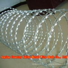 Prix bas Bouteille de concertine Fil de fer barbelé / Razor Clôture de maille en fil de fer barbelé / Fil de rasoir revêtu de PVC / Fil barbelé --- Usine de 30 ans