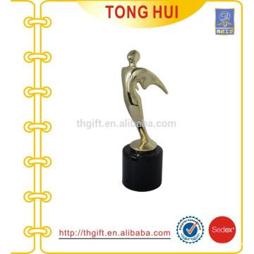 Пользовательские металлические золотые оптовые фигуры трофейная чашка