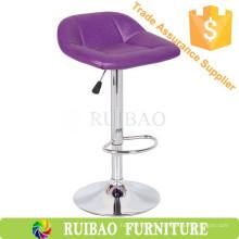 Apariencia moderna y material de cuero sintético, barra de bar púrpura de lujo silla de bar