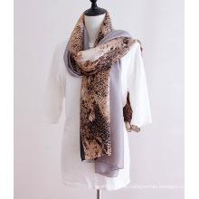 Lady Fashion Python Venen gedruckt Polyester Seidenschal (YKY1142)