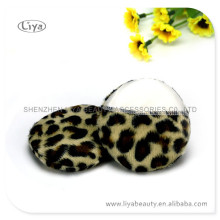Attractive leopard pattern glove powder puff