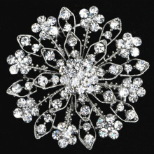 Decorative Rhinestone Garment Jewelry Big Flower Brooch Pin Bridal Wedding Crystal flower shape fashion design