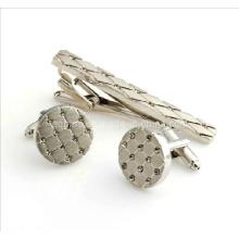 Manschettenknöpfe und Krawatte mit Diamant