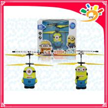 Venta al por mayor juguete Rc helicóptero de control remoto aviones juguete volando minions RC inducción juguetes juguetes de minions
