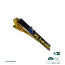 Esmalte suave chapado en oro personalizado con clip Epoxy Tie