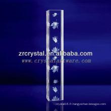 Cristal gravé par feuille d'érable de laser de K9 3D avec la forme de pilier