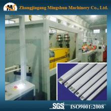 Máquina de trunking do cabo elétrico plástico do PVC contínuo