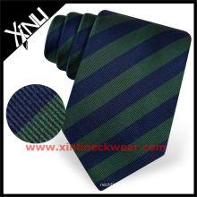 Cravate de marque célèbre noire solide