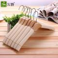 cintre en bois éponge antidérapant de haute qualité