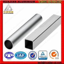 Tubes carrés en aluminium anodisé