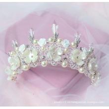 Coronas de la tiara del partido corazones maravillosos de la perla de la tiara del feliz cumpleaños