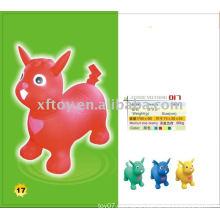 Gesundes aufblasbares Spielzeug, das Tier pikachu springt