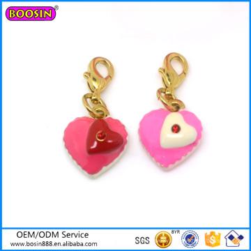 Eco-Friendly Wholesale Custom Metal Enameled Birthday Gift Heart Cake Pendant