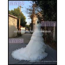 2015 Neue Ankunft eine Linie trägerlose Organza überlagerte Hochzeits-Kleid mit Rüsche Organza-Verband-Verschluss-Brautkleid