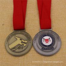 Нестандартная круглая форма Военная медаль Сингапура в античный Цвет