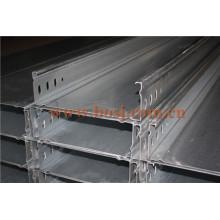 Kabelrinne Hot DIP verzinkte Zinkdicke ISO1461 Rollforming Making Machine Katar