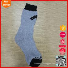 Großhandel China benutzerdefinierte strickte Winter lange Socke Hersteller