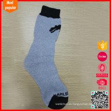 Venta al por mayor de China personalizado de punto de calcetín largo invierno fabricante