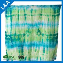 Echarpe en soie à châle avec teinture cravate