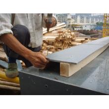 Hoja de plástico de madera reforzada