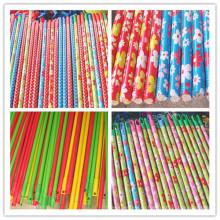 Новые модные цветочные ПВХ с покрытием металлической ручкой для метлы с различным пластиковым крючком