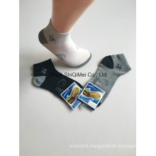 China Factory Stock Men`S Polyester Sports Socks