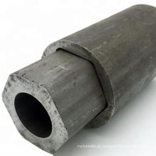 Tubo de aço sextavado