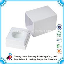 упаковка белая картонная коробка
