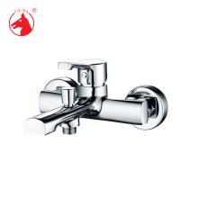 Robinet cascade eau chaude en laiton laiton baignoire populaire