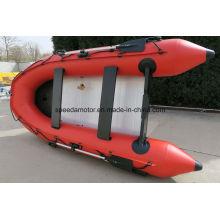 En caoutchouc, pliage bateau gonflable avec moteur hors-bord