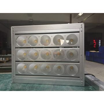Luz de pesca LED para aquário usando