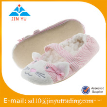 Chine usine de gros prix élégant chaussures intérieures douces zapato sandalia intérieur hiver