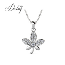 Fashion Jewelry Flower Shaped Pendant Necklace with Austriar Crystals