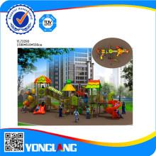 Terrain de jeux extérieur pour enfants à jouer
