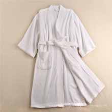 High Quality Comfortable White Quick Pry Bathrobe (WSB-2016021)
