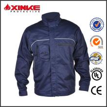 uma grande quantidade de jaquetas de couro de soldagem por atacado