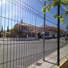 Panel de PVC barato valla de alambre de una sola valla
