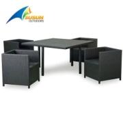 Mesa y silla de mimbre de marco de aluminio