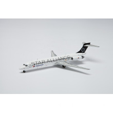 Scale 1/200 Spanair Md-87 Star Alliance Model Zinc Alloy Metal Die-Cast Model in Length 21cm and Width 16.5cm for Premium High-End Aircraft Gifts