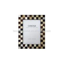 Moldura de madeira de foto personalizada com concha dourada